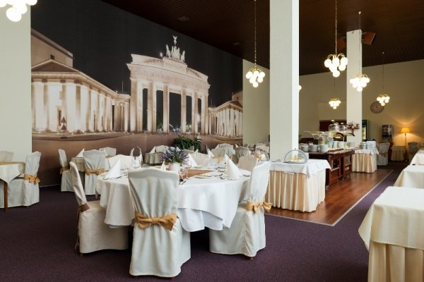 Restaurant+Berlin - Spa+Hotel+Grand+Splendid - hotel P%C3%B6sty%C3%A9n
